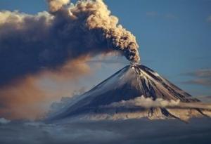 Россия,Камчатка, вулкан, пепел, столб, выброс