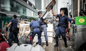 гонконг, полиция, протест, баррикады