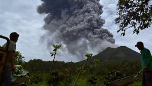 извержение вулкана, индонезия, кадры, видео, остров суматра