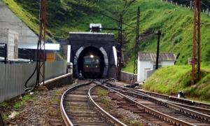 украина, бескидский тоннель, карпаты, порошенко, поезд