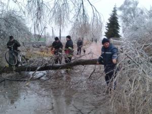 Донецк, штормовой ветер, аварии, ремонтно-восстановительные работы