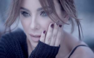 Ани Лорак, певица, артистка, красавица, Сеть, соцсети, фото, видео, общество, Украина, комментарии, штаны, странный наряд