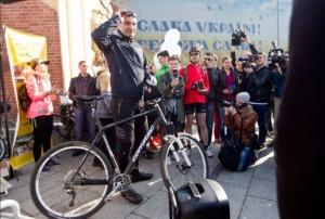 """украина, киев, виталий кличко, акция """"на велосипеде на работу"""""""