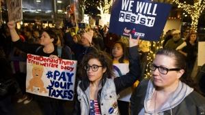 Дональд Трамп, налоги, декларация, США, Америка, митинги, акции протеста, день налогов, подача декларации,  обнародование, недоверие