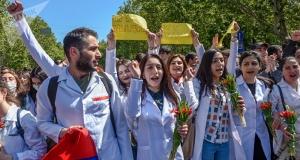 армения, студенты, протесты, митинги, ереван, сарсгян, пашинян