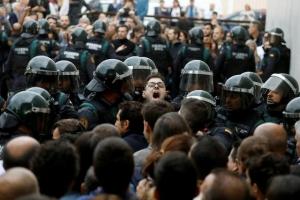 Испания, Каталония, сепаратизм,  референдум, политика, общество, Барселона, пострадавшие, полиция