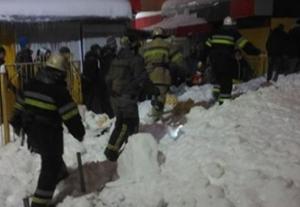 чп, спасатели, харьков, крыша, торговый павильон, происшествия, пострадавшие