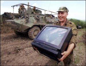 чечня, россия, мародеры, армия россии, видео, соцсети