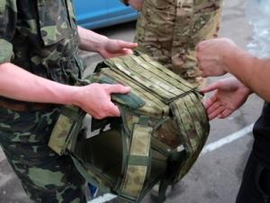 Бронежилеты, каски, волонтеры, украинская армия, срок