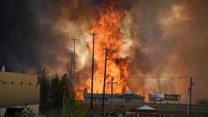 канада, пожар, общество,Форт Мак-Маррей