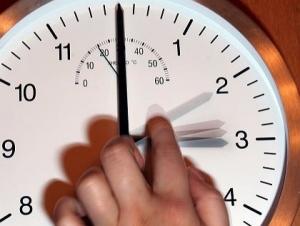 Украина, общество, часы, время