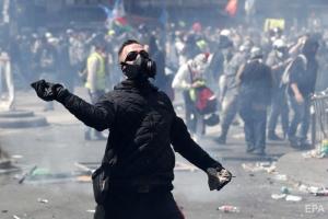 Франция, политика, протесты, Париж, нападения, правоохранительные органы, капюшоны, маски, дым и огонь