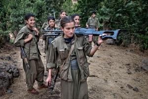 исламские боевики, бегство, курды, женщины
