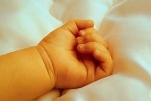 Станица Луганская, дети, брошенная девочка в подъезде, новорожденные, многодетная мать