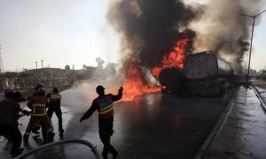 Пакистан, пожар в Пакистане, возгорание бензовоза, пострадавшие, погибшие, катастрофа