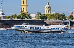 новости, Россия, Санкт-Петербург, ЧП, инцидент, теплоход, врезался, набережная, видео