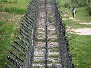 стена между украиной и россией, арсений яценюк, бюджет украины, общество, политика