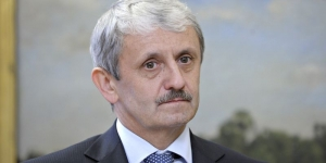 Микулаш Дзуринд, словакия, экс-премьер-министр, политика, экономика, общество