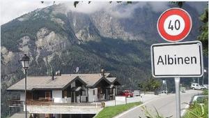 Швейцария, деревня Альбинен, демография, общество