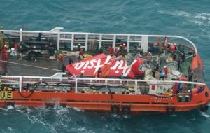 авиакомпания Air Asia, крушение самолета, происшествие, общество, малайзия, поиски самолета, индонезия, трагедия, черный ящик