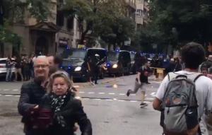 Каталония, Барселона, мир, референдум, полиция обстреляла людей в Испании