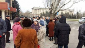 николаев, памятник освободителям николаева, ветераны, нападение на пенсионеров, облили кефиром, происшествия, общество, видео, украина