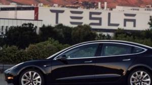 Илон Маск, Tesla Model 3, Tesla Motors