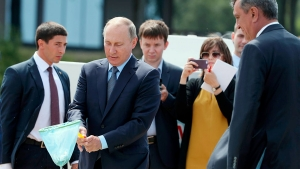 Владимир Путин, Церемония выпуска молоди омуля, Байкал, Соцсети