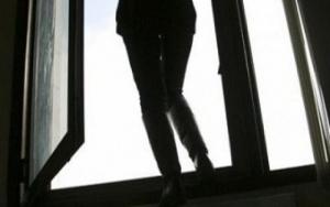 суицид, Харьков, Полтавский шлях, школьница выпрыгнула с 9 этажа, мать, умышленное убийство