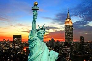 США, Россия, туристка, заключение, хамство, неприличный жест, депортация