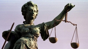 порошенко, антикоррупционный суд, президент, верховная рада, закон, требования, политика