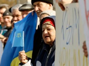 новости Крыма, село Долинка, казачьи рейды по домам крымских татар, украинская символика в Крыму, политика, общество