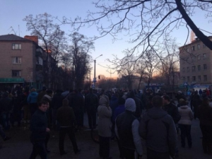 Константиновка, ДТП, БМД, жители подожгли общежитие ВСУ, штурмуют казарму