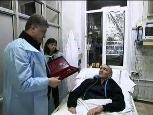 порошенко, полторак, харьков, госпиталь, раненые бойцы, АТО, восток украины