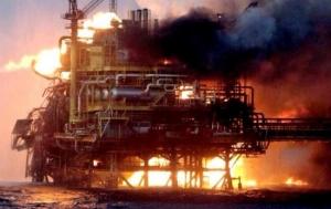 мексика,  нефтяная платформа, пожар, эвакуация