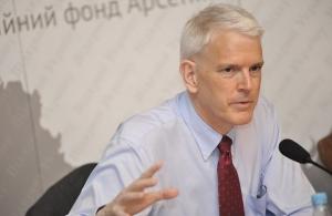 стивен пайфер, россия, давление, украина, донбасс, ато, политика, минск, переговоры, посол