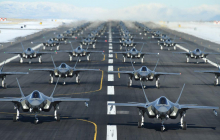 """СМИ: """"52 истребителя F-35A Lightning II готовы в любой момент ударить по Ирану"""""""