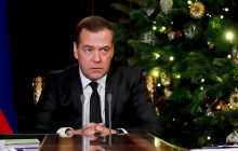 """Медведев признался, на сколько времени санкции США заблокировали """"Северный поток - 2"""""""