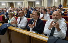 """Слуга народа"" давит на Ахметова по конспектам Коломойского - детали"
