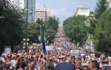 Протесты из Хабаровска перекинулись на Москву и Санкт-Петербург: тысячи людей вышли на улицу
