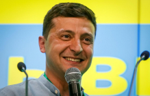 Владимир Зеленский в Одессе впервые показал лицо сына Кирилла - фото быстро распространяется по Сети