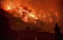 Как горит Калифорния: в Сети опубликованы фотоснимки лесного пожара в самом известном штате США - кадры