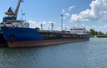 Украинский суд отказался арестовать два судна из России, возивших топливо в Крым: намечается крупный скандал