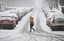 Погода на неделю: мощный циклон принесет в Украину дожди с мокрым снегом