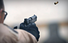 В Киеве неизвестный устроил стрельбу из пистолета средь бела дня: детали