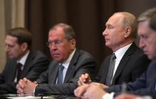"""Лавров публично """"спалился"""" с """"вежливыми людьми"""" при Путине - видео прокола вызвало ажиотаж в Сети"""