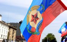 В Луганске авто влетело в дом – есть жертвы: опубликованы первые кадры ДТП