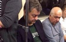 Порошенко теперь ездит на метро: фото двойника экс-президента в Киеве взорвало соцсети