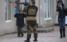 """Боевики """"ДНР"""" готовят Новоазовск для армии РФ: местных уже выселяют под видом эвакуации"""