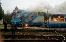Под Ровно загорелся поезд с пассажирами: напуганные люди на ходу выпрыгивали из вагона – фото с места ЧП